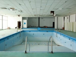 Samantha VanDeman, Desolate Pool – Homowack Lodge in Spring Glen, New York, 2013.