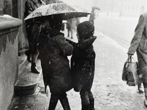 Antanas Sutkus, Covered by the Umbrella, 1963. Courtesy of White Space Gallery, London.